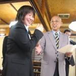 会長と握手です(^ω^)